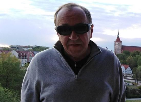 Professor Robert Traba